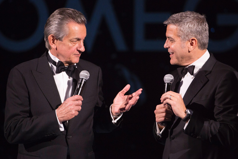 Prezydent Omegi Stephen Urquhart i  światowy ambasador marki Omega George Clooney