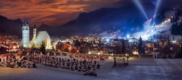 Kitzbühel im Winter / Kitzbühel mit Blick auf die legendäre Streif.