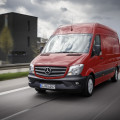 Mercedes-Benz Sprinter – 314 CDI; Exterieur; jupiterrot; OM 651 mit 105 kW/143 PS; 2,15 L Hubraum; 6-Gang-Schaltgetriebe Eco Gear; Radstand: 3665 mm; 3,5 Tonnen  Mercedes-Benz Sprinter – 314 CDI; exterior; jupiter red; OM 651 rated at105 kW/143 hp; displacement 2.15 l; 6-speed transmission Eco Gear; wheelbase: 3665 mm; gross vehicle weight of 3.5t