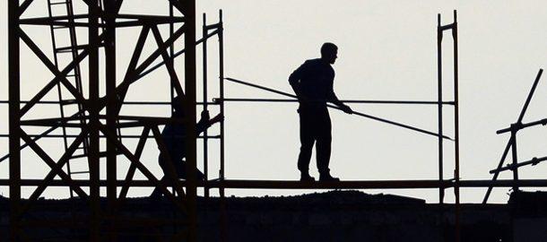 schwarzarbeit-wie-am-bau-kann-auch-positive-auswirkungen-auf-die-wirtschaft-haben-verboten-bleibt-sie-trotzdem