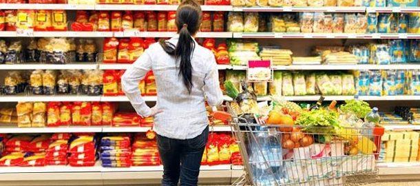 einkaufen-wer-beim-einkaufen-clever-vorgeht-kann-eine-menge-geld-sparen-foto-imago-