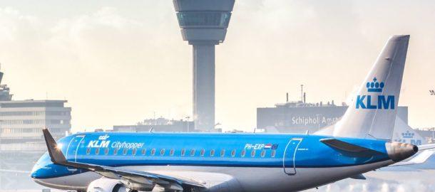 Embraer KLM 175 na lotnisku w Amsterdamie